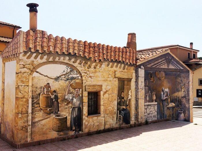 Murale din localitatea Palau – Foto Ionut Petru